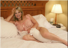 Anthea Turner A4 photo #24