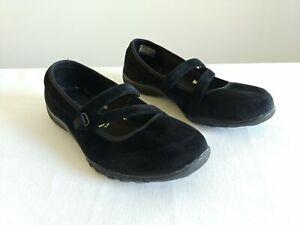 Women's Skechers Breathe Easy Mary Jane Shoes Relaxed Fit Memory Foam Size 8.5