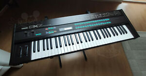 YAMAHA DX7 FM Synthesizer Mk. I vintage gear top condition no D-50