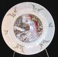 Royal Doulton Christmas 1980 Santa Claus Plate - 4th in a Series - 8.25 in.