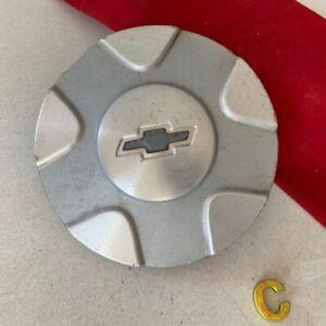 #C  Chevrolet Trailblazer OEM Center Cap Machined 02-03 Sparkle Silver 9593383