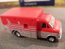 1/87 Trident Chevrolet Ambulance Krankenwagen rot / silber 90150