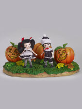 Halloween convention Pumpkin Patch Base NRFB Amelia Thimble LE 50