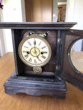Antico Vittoriano Legno tedesco caso 1 giorno Striker mantel clock h.a.C.