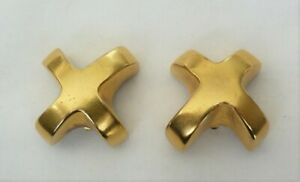 DESIGNER SIGNED ROBERT LEE MORRIS CHUNKY DIMENSIONAL GOLD PLATED X CLIP EARRINGS