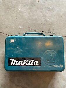 Makita DA3000D 7.2V Cordless Angle Drill w/DC7010 Charger, 2X Batteries, & Case