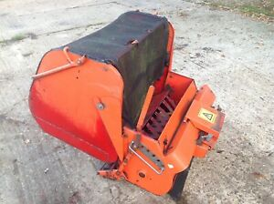 WESTWOOD RIDE ON MOWER POWERED GRASS COLLECTOR