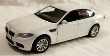 RMZ City - 1:32 Scale Model BMW M5 White (BBUF555004W)