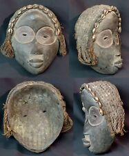 Art Africain superbe masque féminin ancien Dan Libéria bois porcelaine  déco