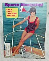 Sports Illustrated January 17 1972 Sheila Roscoe Cheryl Tiegs Swimsuit Magazine