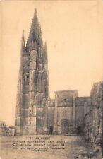 SAINTES - basilique Saint-Eutrope - Clocher ogival construit par Louis XI