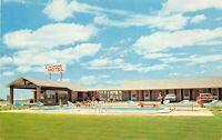 Perry Georgia GA 1960s Postcard Villager Motel Swimming Pool