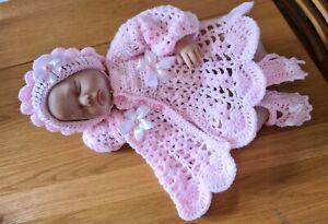 Hand gehäkelte 0-3 Monate Baby Mädchen Strickjacke/Mantel Mütze und Schuhe Set