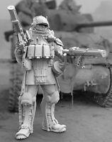1/35 Resin US Heavy Trooper Unpainted Unassembled BL652