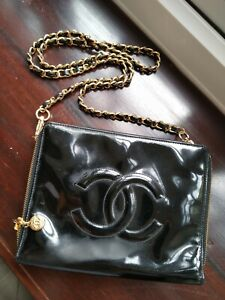 Authenticated Square Chanel Black Patent Leather CC Crossbody Shoulder Bag GHW