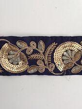 Oro antiguo indio atractivo y Encaje Floral Azul Marino Tela de lentejuelas de rosca - 1 Mtr