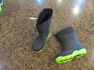 Wonder Nation Black Waterproof Winter Snow Rain Boots Liners NWT Boys 10 Canada