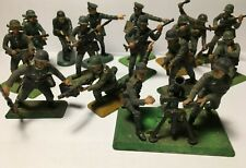 16 Britains Deetail German WW2 Soldiers & Mortar