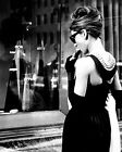 "AUDREY HEPBURN IN ""BREAKFAST AT TIFFANY'S"" - 8X10 PUBLICITY PHOTO (NN-215)"