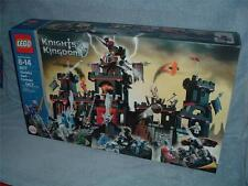 VLADEKS DARK FORTRESS Knights Kingdom 8877 LEGO 2005 New Sealed Rascus Santis
