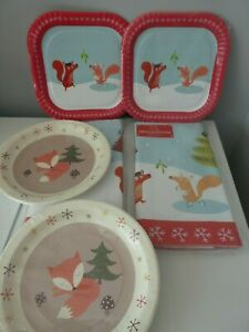 2 X M&S CHRISTMAS NOVELTY LIKE LINEN TABLECLOTHS & 30 PAPER PLATES NEW & SEALED