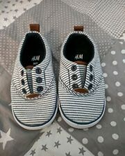 Sneaker Turnschuhe Schuhe H&M 20 21 neu ungetragen blau weiß