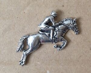 Showjumping Horse And Rider Silver Pewter Pin Badge - Great Detail And Quality