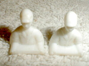 2 Slot Car Driver Figures  1/32 1960s Vintage Original White unknown brand used