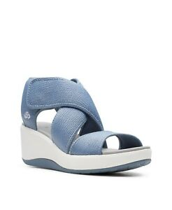 Clarks Cloudsteppers Women's Step Cali Palm Wedge Sandal Size 9W Blue