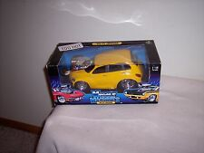 MUSCLE MACHINES - '00 PT CRUISER  - YELLOW - 1/18 SCALE - NEW -  L@@K