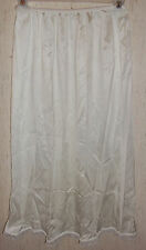 """EXCELLENT WOMENS WARNER'S PERFECT MEASURE 29"""" IVORY HALF SLIP  SIZE L"""