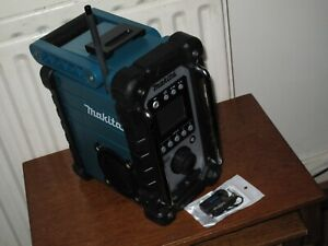MAKITA DMR107 CORDLESS 7.2V-18V AM/FM CAN WORK WITH MAIN & AC BLUETOOTH UPGRADED