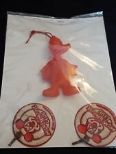 Vtg Collectible 2 Mickey Mouse Club Badges And Plastic Donald Toy Hanger.