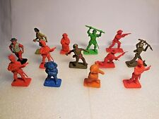 Vintage Assorted Crescent & Kelloggs Plastic Toy Soldiers Circus Figures 1:32