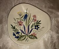 Vintage 1950's Red Wing Pottery Country Garden 8 Inch Serving Bowl Dish