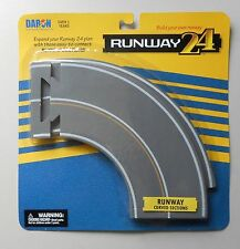 2 CURVED RUNWAY PIECES RUNWAY 24 For Use w MINI AIRPLANE AIRCRAFT DARON TOYS