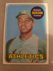 Topps 1969 Reggie Jackson Rookie Baseball Card (#260) in EX/MT Condition