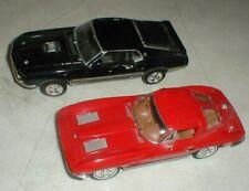1969 Ford MUSTANG Mach-1 1963 Chevrolet Corvette Dealer Model 1:24 Die-Cast Cars