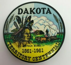 DAKOTA TERRITORY Centennial Pin Back Button 1861-1961 Four Bears, Covered Wagon