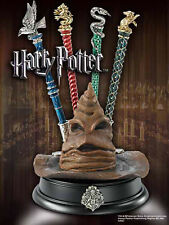 HARRY POTTER PORTAPENNE CAPPELLO PARLANTE STIFTHALTER SORTING HAT DISPLAY NOBLE