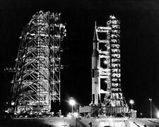 Apollo 14 Saturn V Rakete bei Nacht Nasa 8x10 Silber Halogen Fotodruck