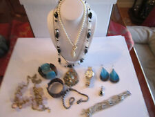 LARGE LOT OF COSTUME JEWELRY  - SEE PICS - TUB BBA-4