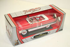 Modellauto 1 : 18: 1955 PACKARD CARIBBEAN int rot/weiß, ROAD SIGNATURE, OVP, 018