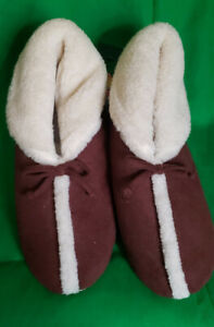 Isotoner Men's Slippers Brown Size Large L (9.5-10.5) NEW