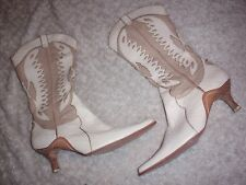 Gorgeous womens Cindy Says Couture cream tan snake skin leater boot size 11