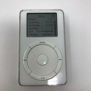 Apple iPod classic 2nd Generation PC White (10GB)