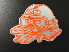 STICKER AUTOCOLLANT REFLECHISSANT GAZ GRIS/orange CASQUE TETE DE MORT SKULL