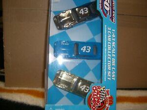 1/43 Racing Champions 1999 3 car Petty Superbird set.