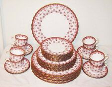 Spode Fleur de Lys Red 40pcs Plates Cups Saucers Dinner Salad Y7481A Gold Trim
