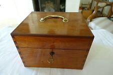 coffret à bouteilles acajou XIX pharmacie parfums bootle box mahoganny